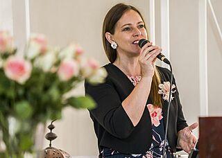 Event- und Hochzeitssängerin Ully Mathias - auch mit Liveband buchbar